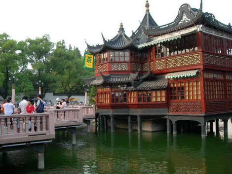 china-house-on-water