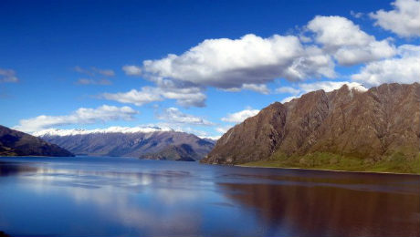 new-zealand-typical-lake